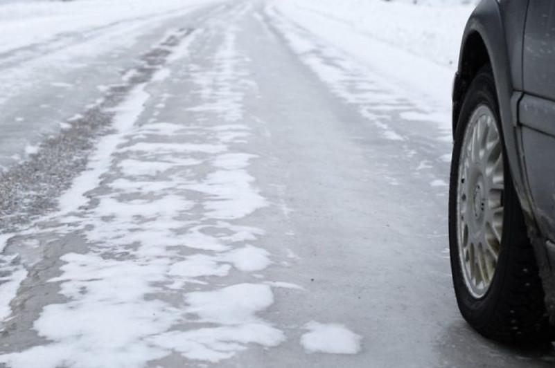 Дорогу «Нур-Султан - Петропавловск» закрыли из-за гололеда
