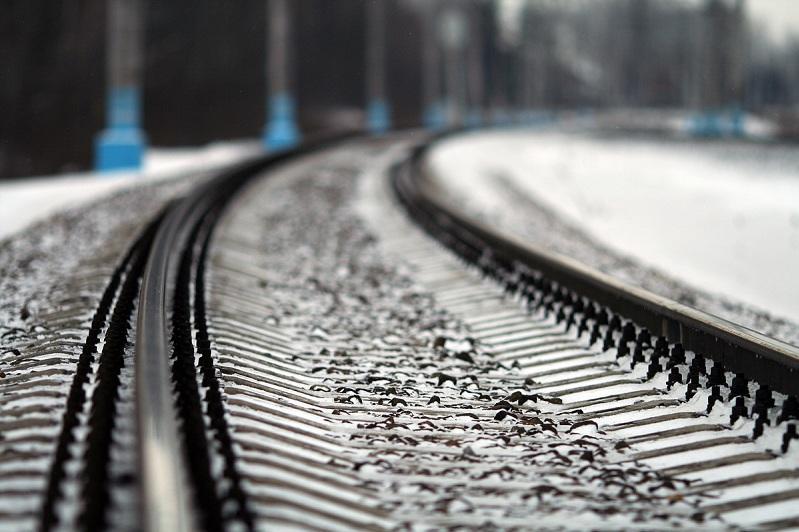 Девушку, снимавшую селфи, сбил поезд в Актобе
