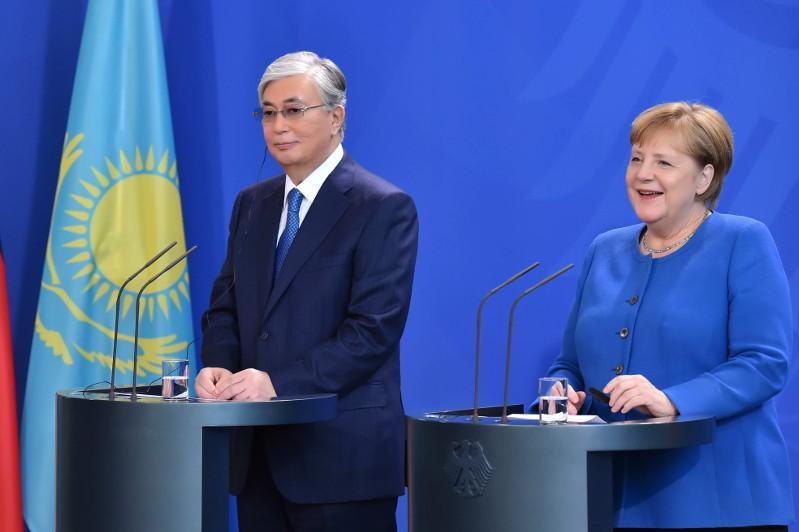 默克尔:德国愿意加强与哈萨克斯坦之间的合作