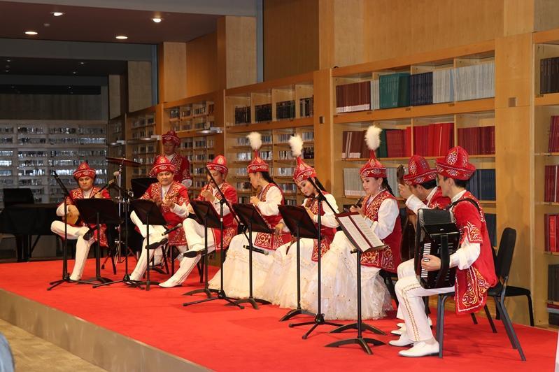 Beıjińde Qurmanǵazy atyndaǵy orkestr kontsert berdi