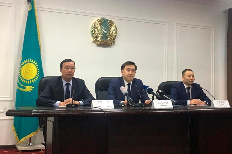 Дарить новогодние подарки малоимущим предложили госслужащим в Антикоррупционной службе Алматы