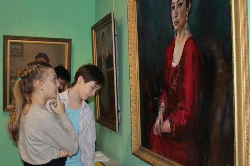 Выставка картин североказахстанских художников открылась в музее в Петропавловске