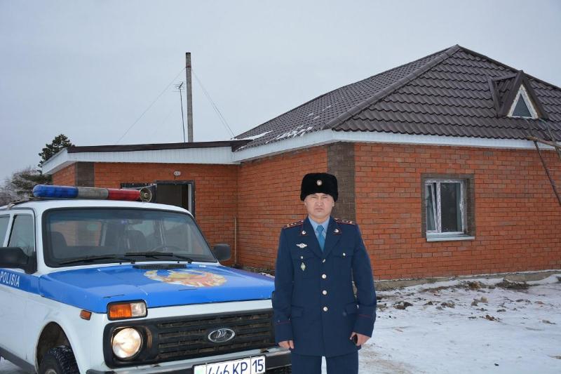 СҚО-да ауыл кәсіпкерлері учаскелік полицейге қызметтік баспана салуда