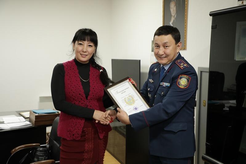 Самых активных волонтеров поблагодарили столичные полицейские