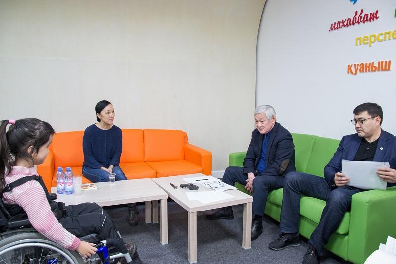 Бердибек Сапарбаев провел прием граждан в Центре поддержки института семьи «Жанұя»
