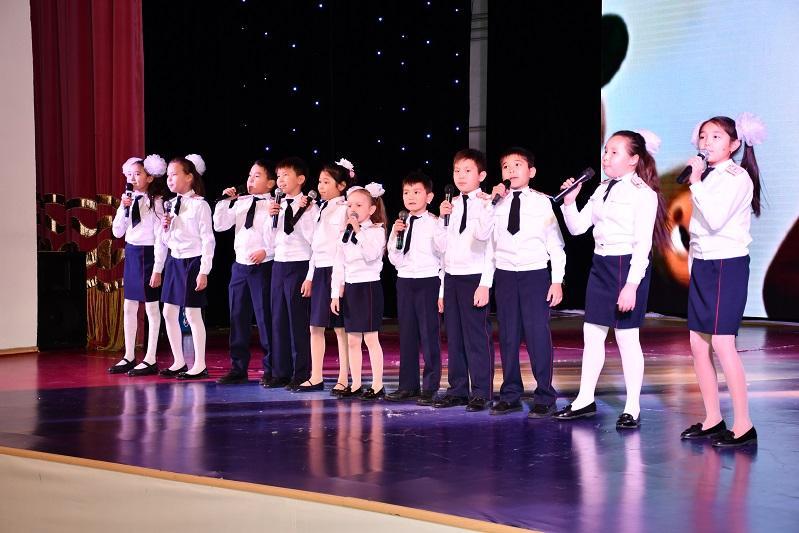 Благотворительный концерт для больной девочки провели полицейские в Кокшетау