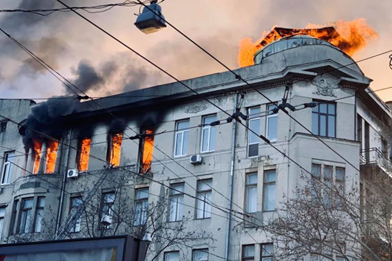 Пожар в колледже Одессы: Владимир Зеленский объявил 8 декабря днем траура