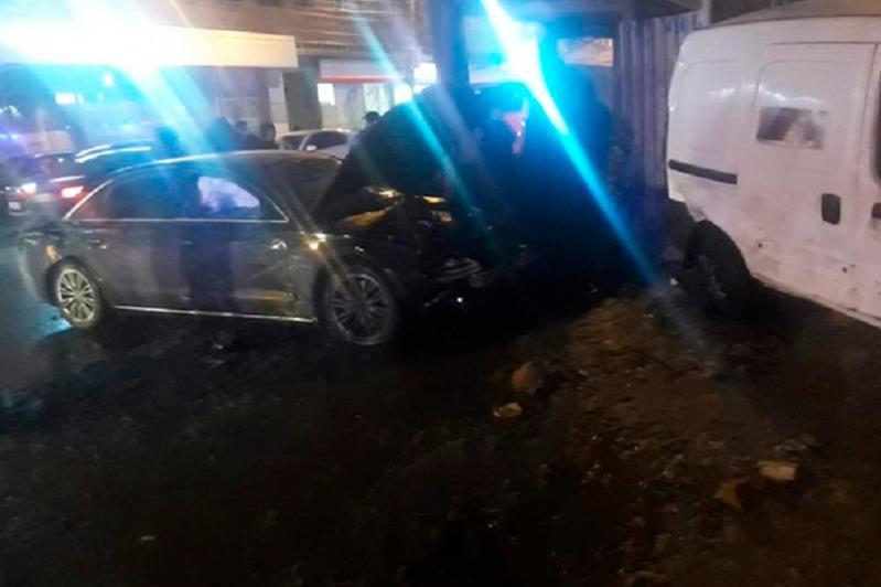 Крупное ДТП в России: автомобиль сбил 12 пешеходов, среди пострадавших 9 детей