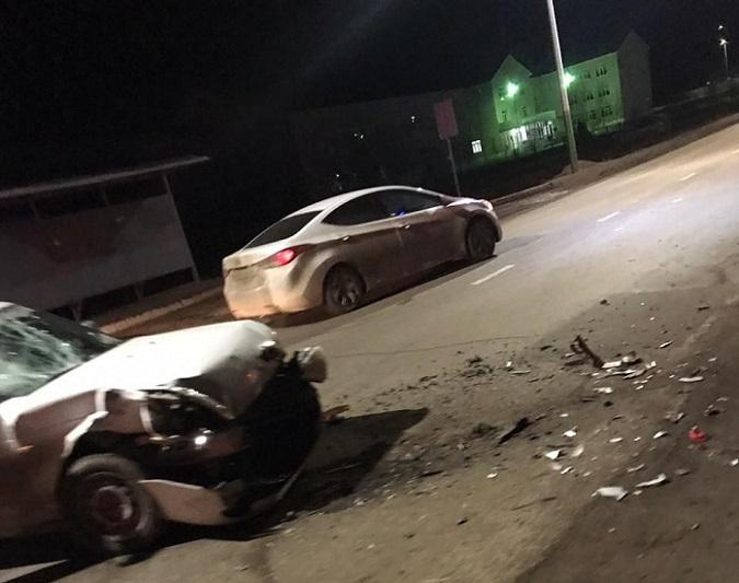 Атырауда жеңіл көлікпен соқтығысқан мотоцикл жүргізушісі ажал құшты