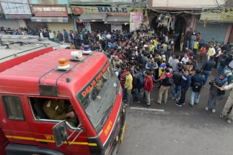 43 человека погибли при пожаре на фабрике в Индии