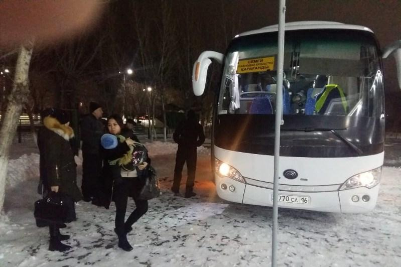 26 человек эвакуированы из автобусов на трассе в Павлодарской области