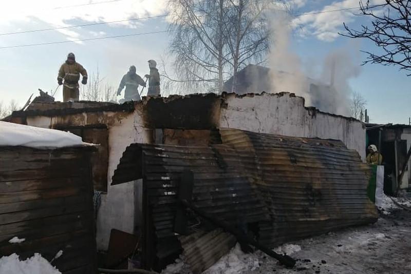 Пожар в дачном массиве Усть-Каменогорска, есть погибший