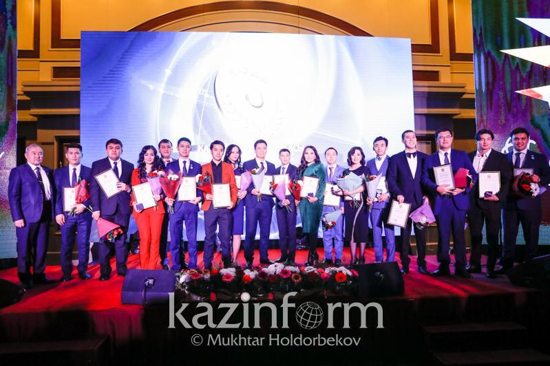 Лауреатов молодежной госпремии «Дарын» наградили в Нур-Султане