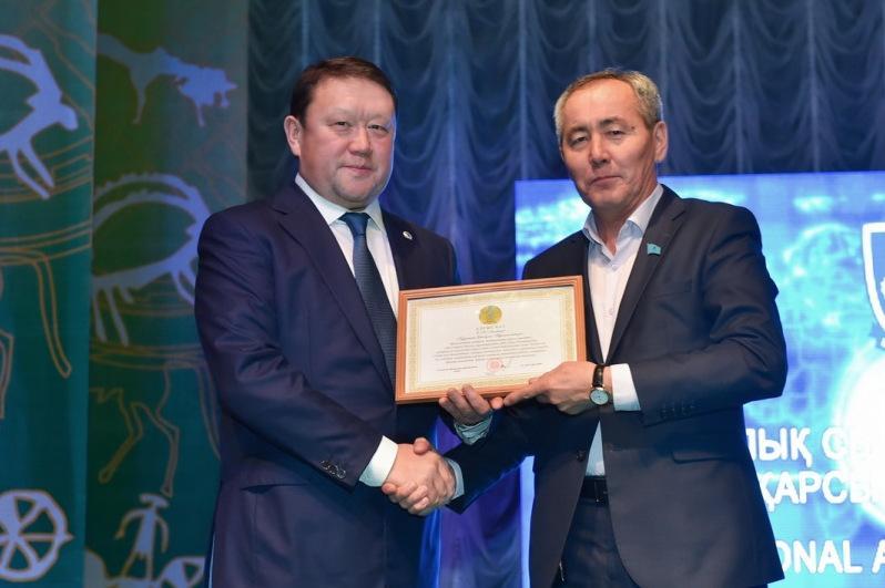 Награды за помощь в борьбе с коррупцией вручили активистам в СКО