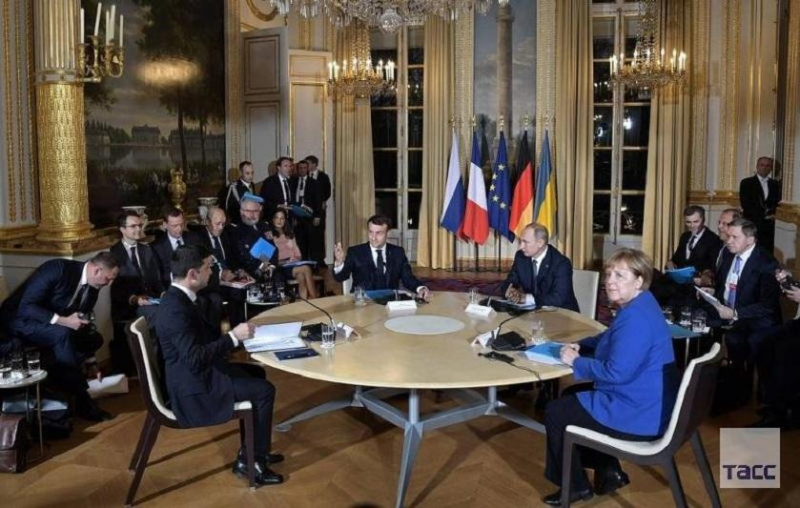 Президенты России и Украины встретились тет-а-тет в Париже