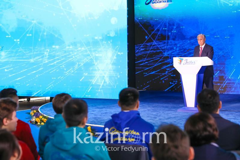 Новую комплексную программу по молодежной политике поручил разработать Президент РК
