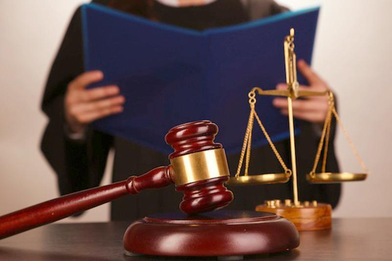 За коррупцию осудили экс-прокурора в Акмолинской области