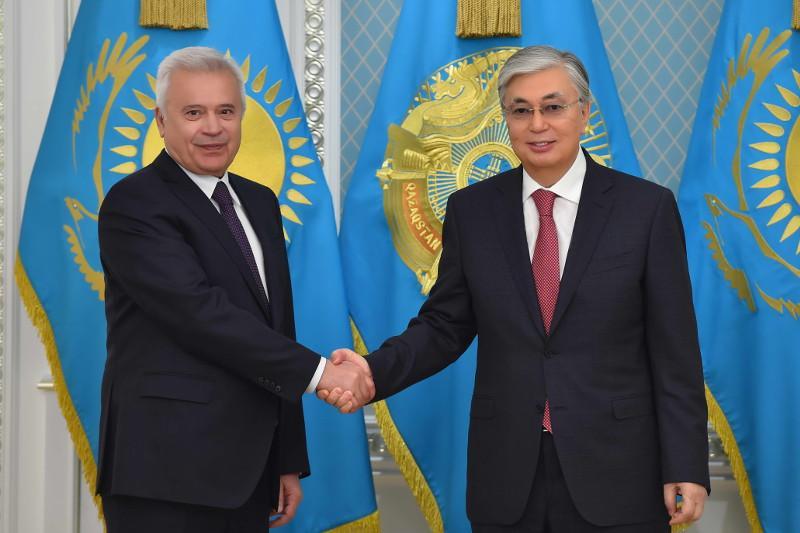Kassym-Jomart Tokayev meets LUKOIL President and CEO Vagit Alekperov