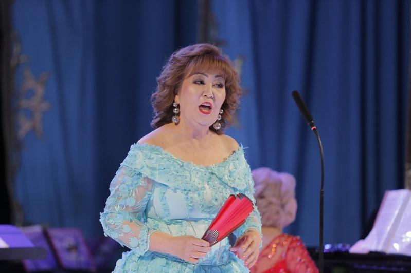 Ученица Бибигуль Тулегеновой провела в Атырау творческий вечер