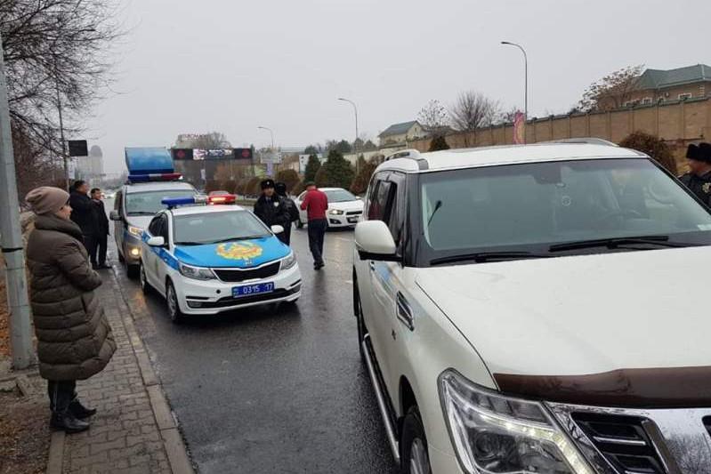 Налоговики Шымкента напомнили о необходимости своевременной уплаты налогов на транспорт
