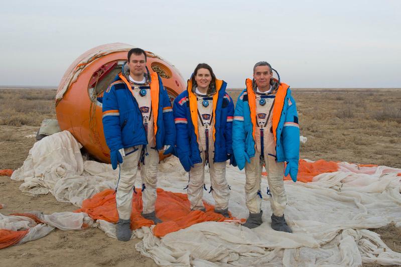 Экипаж космонавта Мухтара Аймаханова провел тренировки по выживанию в степи
