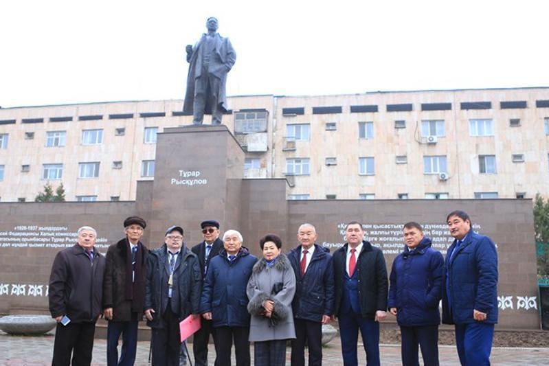 Тұрар Рысқұлов - 125: Шымкентте халықаралық ғылыми конференция өтті