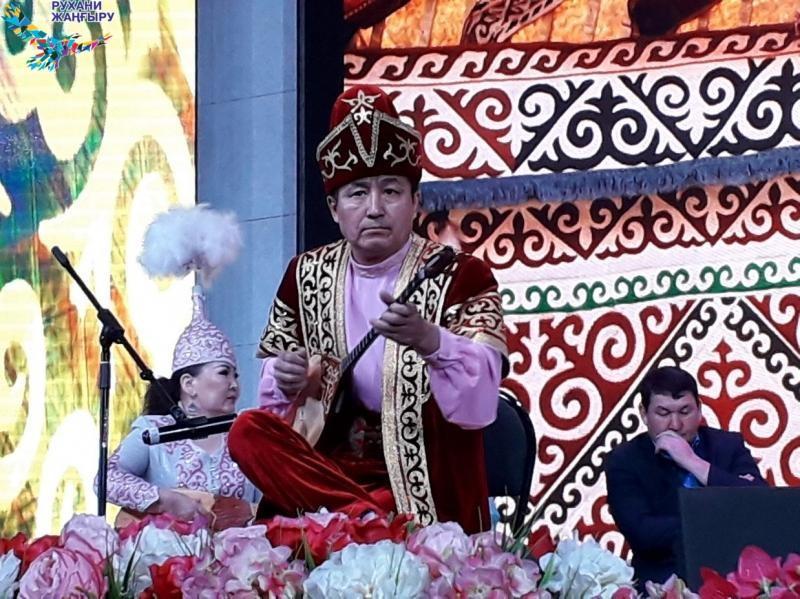 Известные кюйши выступили на фестивале в Караганде