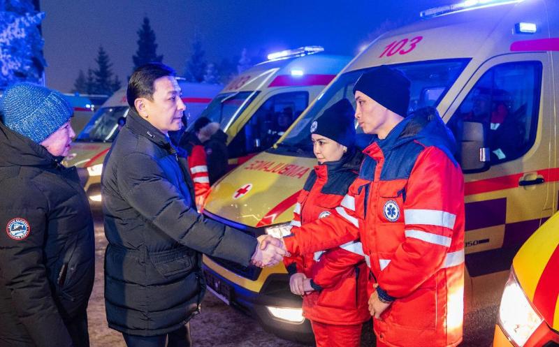 Алтай Кульгинов - бригадам скорой помощи: «Вы выполняете самую главную миссию - спасаете жизни людей»