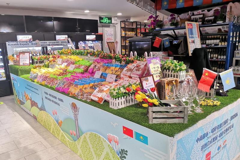 Казахстанские продукты появились на полках гипермаркета 12-миллионного китайского города Ухань