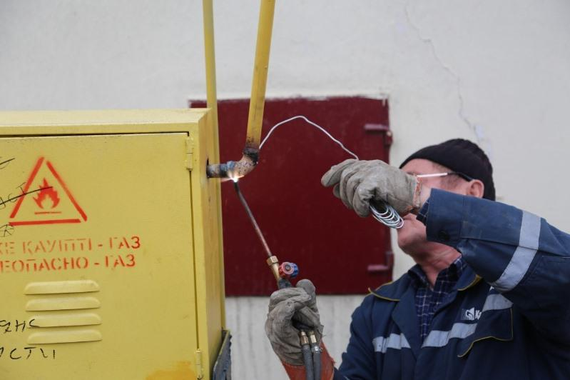 Жилые дома подключили к природному газу в Туркестане