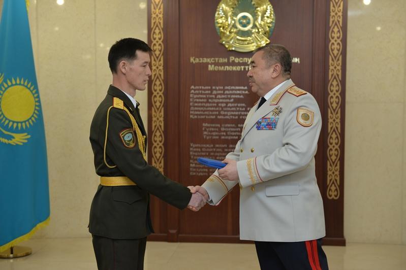 Указом Главы государства 32 сотрудникам ОВД присуждены госнаграды
