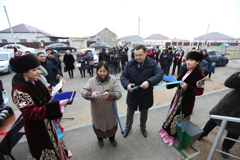 В Атырауской области 150 жителей станции «Разъезд 496» справили новоселье