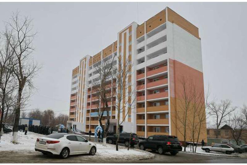 Ключи от квартир в новостройке получили жители нового микрорайона Сарыарка в Павлодаре