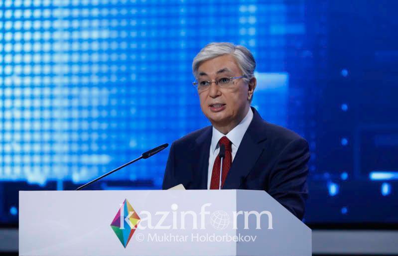 托卡耶夫总统指出工业化第三个五年计划主要任务
