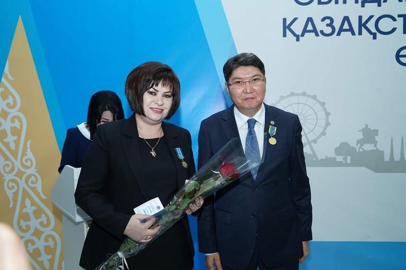 Shymkentte Qazaqstan halqy Assambleıasynyń músheleri marapattaldy