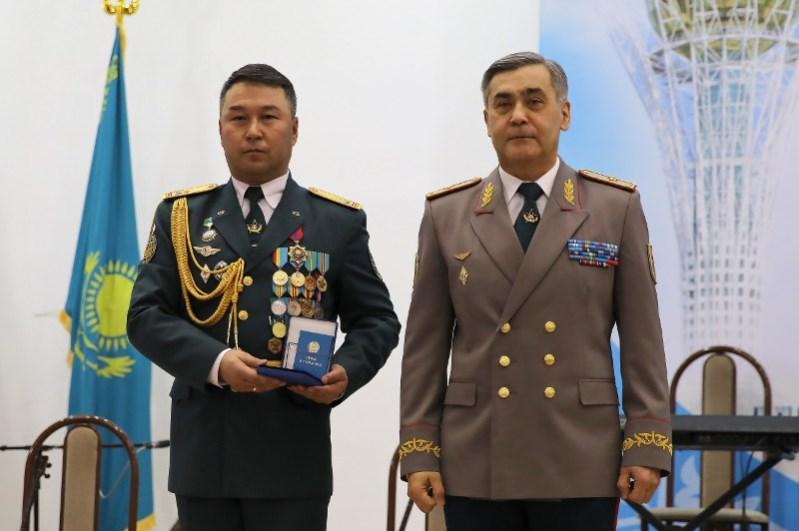 Государственные награды вручили военнослужащим