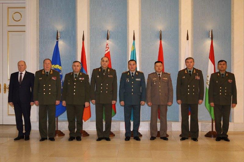 集安组织军事委员会会议在圣彼得堡举行