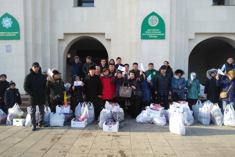 В рамках акции «Шымкент – қайырымды қала» 100 семей получили продукты