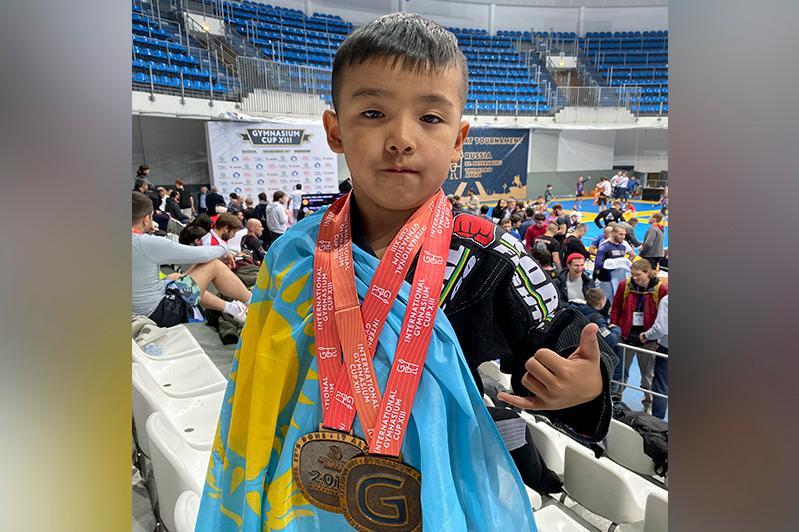 Семилетний казахстанец выиграл два «золота» по джиу-джитсу в Москве