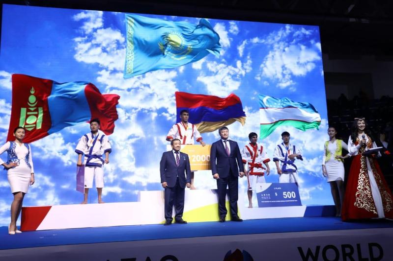 Первую золотую медаль завоевала сборная Казахстана на ЧМ по qazaq kuresi