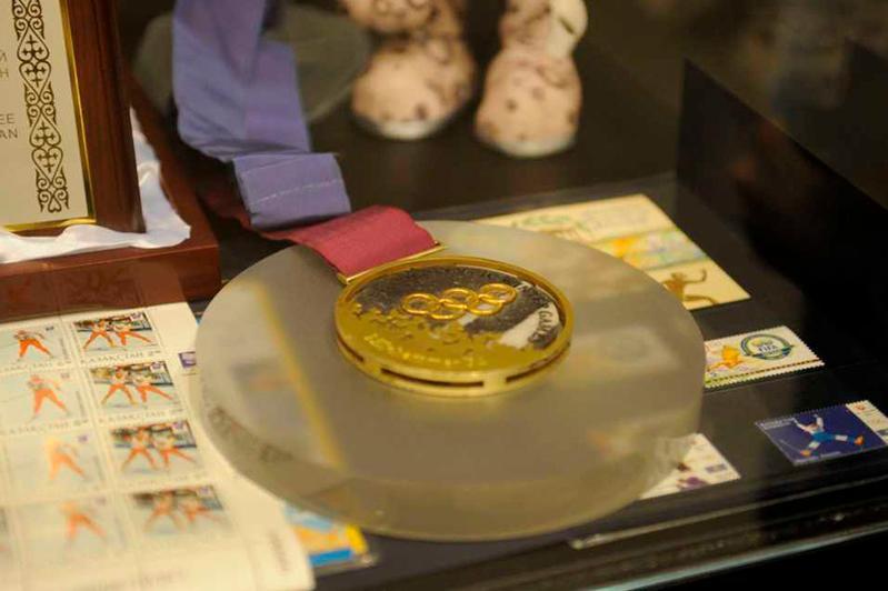 Первое олимпийское золото Казахстана выставлено на экспозиции в Осло