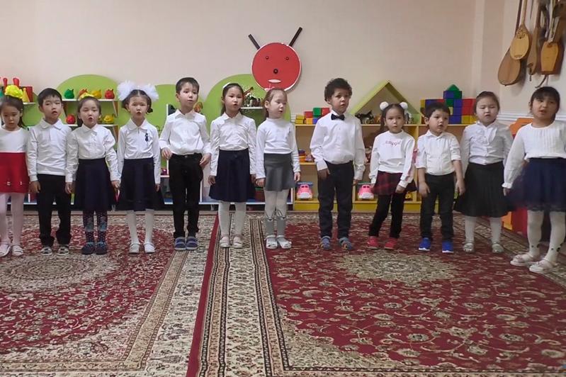 Столичные дети поздравили казахстанцев с Днем Независимости