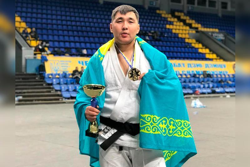 Джиу-джитсудан әлем чемпионы туған ауылында шәкірт тәрбиелеп жүр