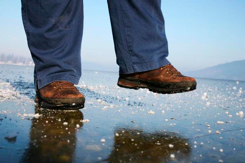 В СКО спасатели предупредили об опасности выхода на лед