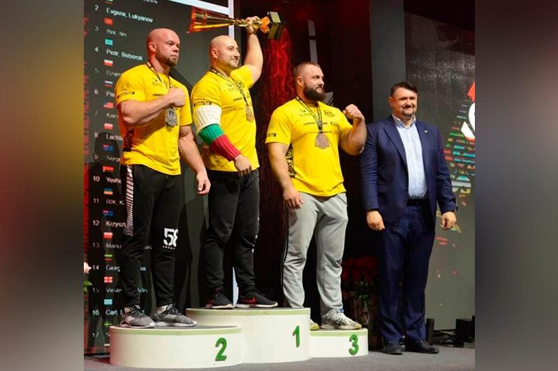Илья Ильин завоевал «бронзу» Кубка мира по армрестлингу в Польше