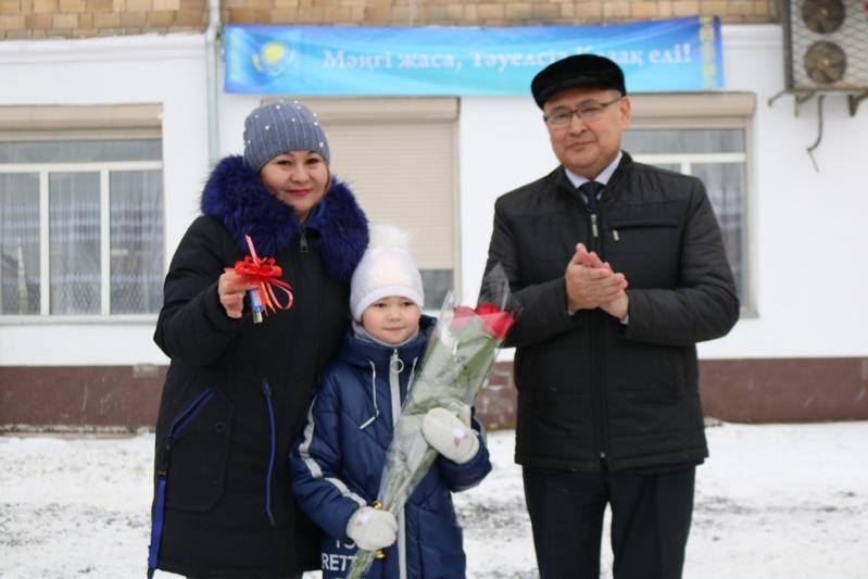 Ключи от 30 квартир получили жители Шахтинска