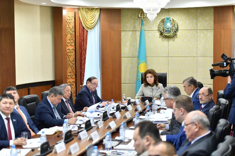 Дарига Назарбаева провела встречу с руководителями Союза картофелеводов и овощеводов