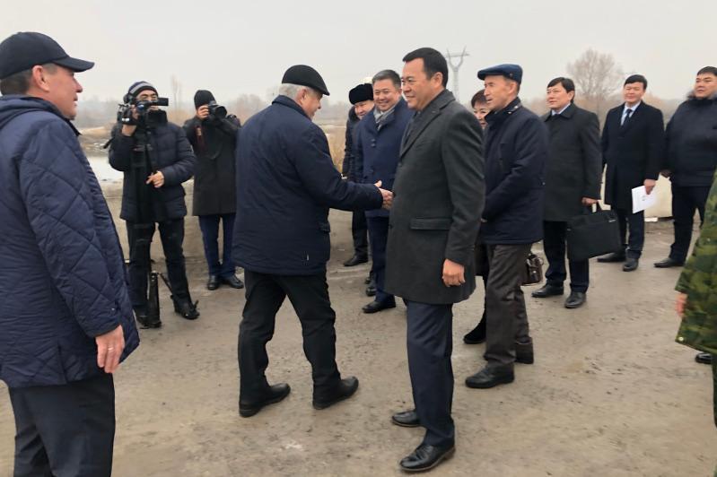 Қазақстан мен Қырғызстан депутаттары шекарада бірлескен отырыс өткізді