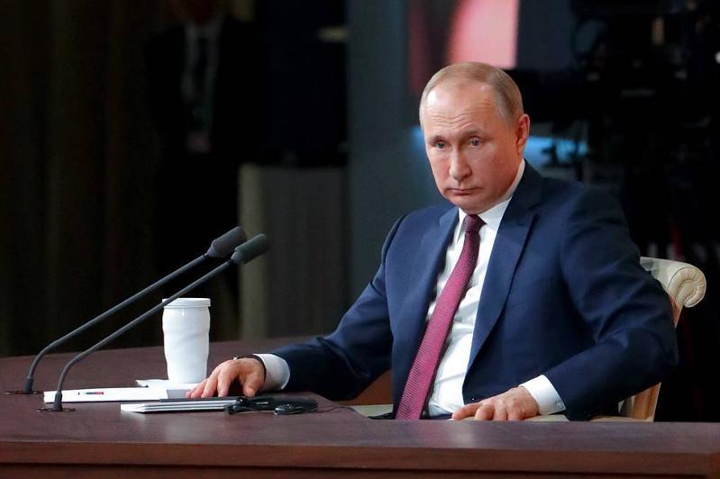 Мы, к сожалению, немножко отстали от наших казахстанских друзей - Президент РФ
