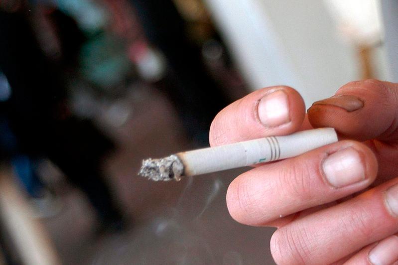 курение табачных изделий в общественных местах